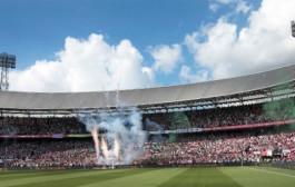 Live Feyenoord-Vitesse, Kazim in de spits