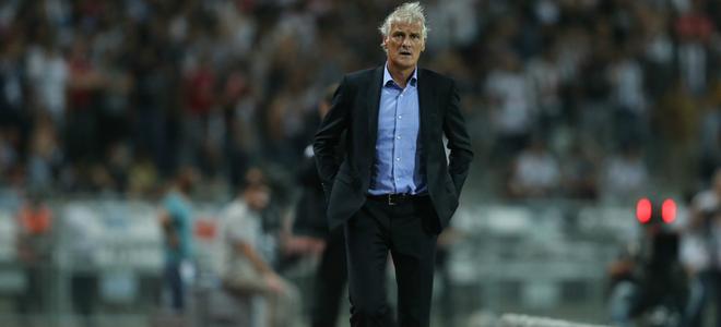 Feyenoord legt Mats Knoester langer vast