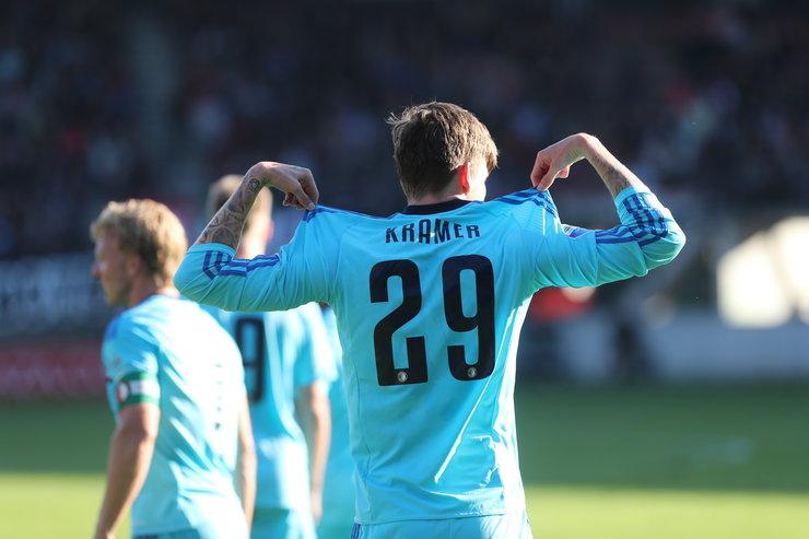 Feyenoord 2 koploper na zege in Heerenveen