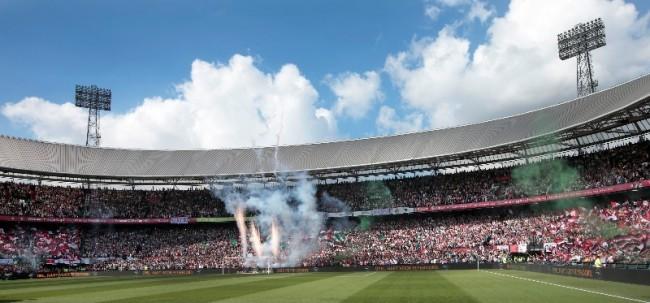 Feyenoord speelt de eerste thuiswedstrijd van 2017 in een uitverkochte Kuip